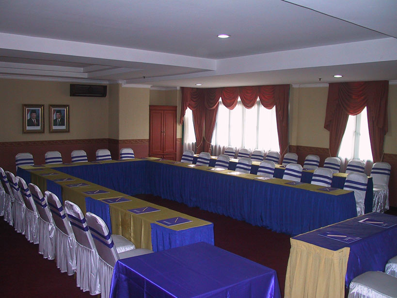 meeting rooms suites room travellers medan